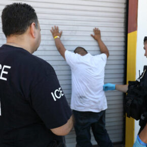 Gwardia Narodowa Teksasu pomaga w aresztowaniu imigrantów