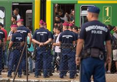 imigranci-wegry-policja