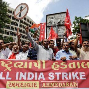 Indie: Gigantyczne manifestacje przeciwko neoliberalizmowi
