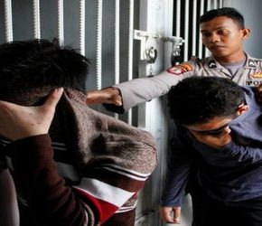 Sto batów za homoseksualizm w Indonezji