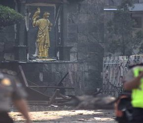 Trzy zamachy na kościoły w Indonezji