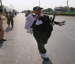 Terroryści zaatakowali paradę w Iranie