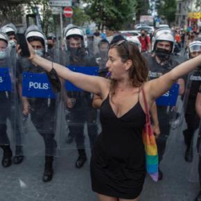"""Turecka policja rozbiła """"paradę równości"""" (+WIDEO)"""