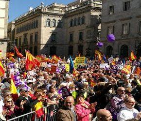 Przeciwnicy niepodległej Katalonii manifestowali w Barcelonie