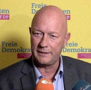 Premier wybrany głosami AfD rezygnuje