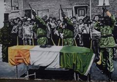 Debata o muralach z Belfaście: świadectwo historii czy pochwała przemocy?