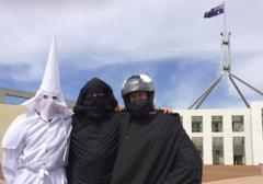 Australia: Happening w parlamencie