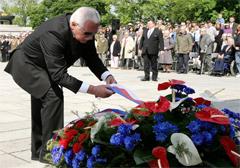 Czechy: Klaus i komuniści świętowali Dzień Zwycięstwa