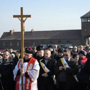 Kościół ma być zagrożeniem dla pamięci o Holokauście