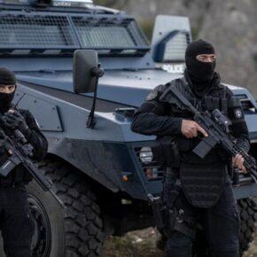 Kosowskie służby zaatakowały Serbów