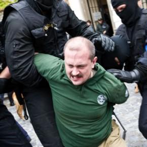 """Kotleba skazany za """"nazizm"""". Wyrok nie jest prawomocny"""