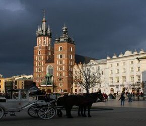 W Krakowie komunikacja tylko dla zaszczepionych?