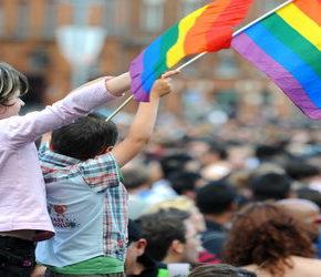 Kurator zwolniony po krytyce LGBT