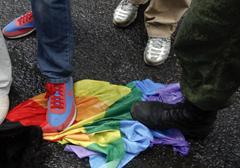 """Finlandia legalizuje """"małżeństwa"""" i adopcję dzieci dla par homoseksualnych"""