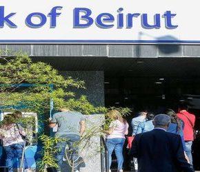 Libańczycy oskarżają banki o przetrzymywanie pieniędzy