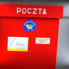 Polacy lepiej oceniają państwowego operatora przesyłek pocztowych
