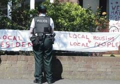 """Belfast: Media na tropie """"rasizmu"""" mieszkańców"""