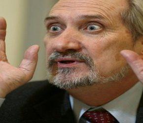 Macierewicz bagatelizuje żydowskie roszczenia majątkowe