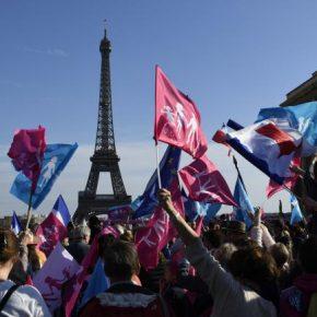 """Francuska centroprawica nie cofnie homoseksualnych """"małżeństw"""""""