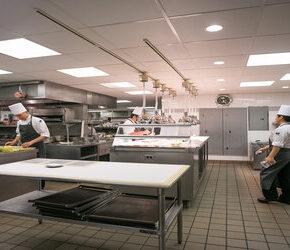 Ekskluzywna wegańska restauracja serwuje mięso