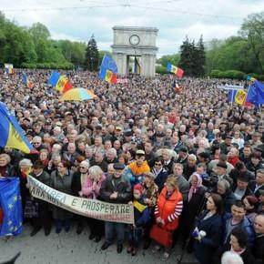 """Mołdawia: Protesty przeciwko """"zniknięciu"""" miliarda dolarów"""