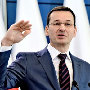 Zagranicą Morawiecki mówi wprost o masowej imigracji