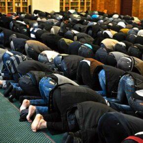 """Nie sprzedali kościoła islamistom. Są oskarżani o """"islamofobię"""""""