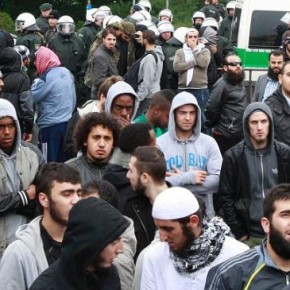 W Niemczech przebywa milion osób ubiegających się o azyl