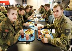 """Norwescy żołnierze zostaną poddani diecie wegetariańskiej aby """"walczyć ze zmianami klimatycznymi"""""""