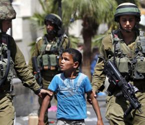 Koszmar palestyńskich dzieci: nocne najścia i przesłuchania