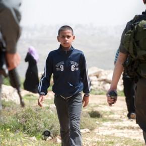 Izraelscy osadnicy oskarżeni o wykorzystywanie palestyńskich dzieci