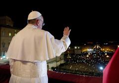 Papież wprowadza cięcia w wynagrodzeniach dla hierarchii kościelnej