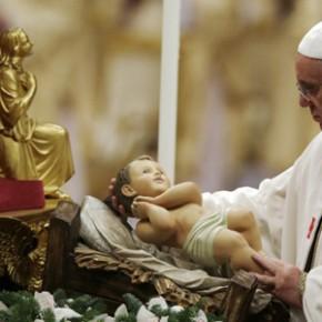 Papież krytykował konsumpcjonizm w czasie pasterki