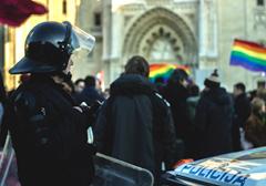 Chorwaci płacą miliony za parady homoseksualistów