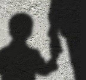 """W ramach """"eksperymentu"""" Berlin przekazywał dzieci pedofilom"""