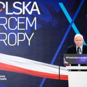 """Posłowie PiS poparli walkę z """"homofobią"""""""