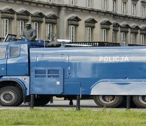 Policja kupuje polewaczki