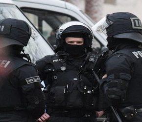 """Więcej niemieckich policjantów powalczy z """"prawicowym ekstremizmem"""""""