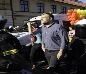 Brudziński chwali atak policji na przeciwników homopropagandy
