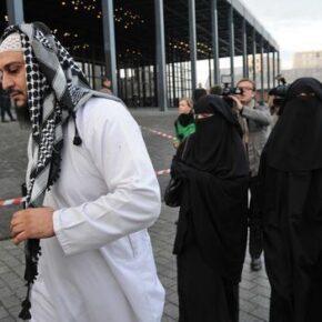 Francuski poseł broni poligamii