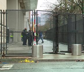 Sąd w Portland znowu odgrodzony. Przez zamieszki lewicy