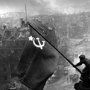 Niemiecka lewica za świętem państwowym w dniu zakończenia II Wojny Światowej