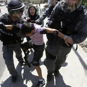 Izraelskie służby zatrzymały w październiku blisko 800 nieletnich Palestyńczyków