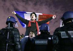 Francja: Nasilają się represje wobec organizatorów i uczestników protestów przeciwko homomałżeństwom