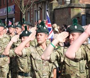 Liczba irlandzkich rekrutów w brytyjskiej armii stabilizuje się