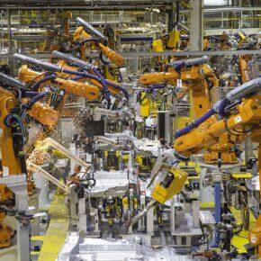 Roboty mogą zapełnić lukę na rynku pracy