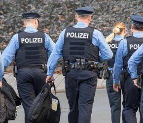Niemiecka policja z oficerami politycznymi?