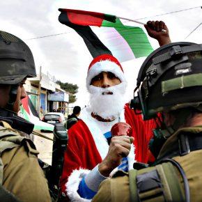 Izraelscy żołnierze zaatakowali przebranych za Świętego Mikołaja