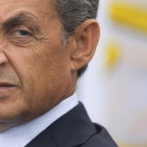 Francja: Debata centroprawicy osądem nad polityką Sarkozyego