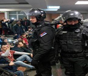 Masowe protesty na Bałkanach (+WIDEO)